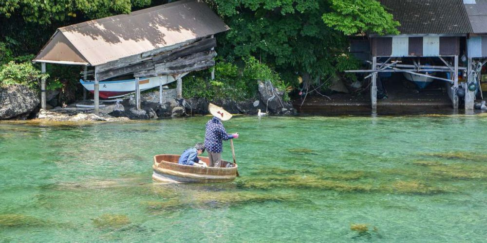 A visit to Shukenegi fishing village is like stepping back in time.
