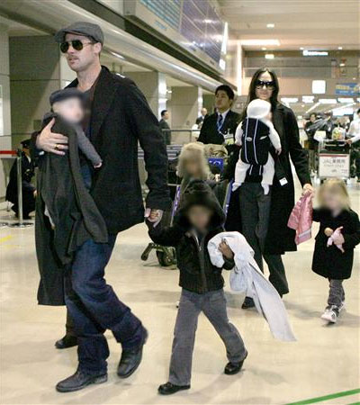 Brad Pitt, Angelina Jolie Arrive in Japan