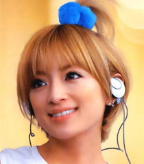 Hamasaki_ayumi_headphones