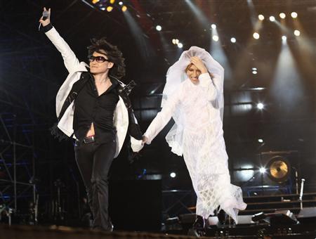 X Japan, Yoshiki wedding dress